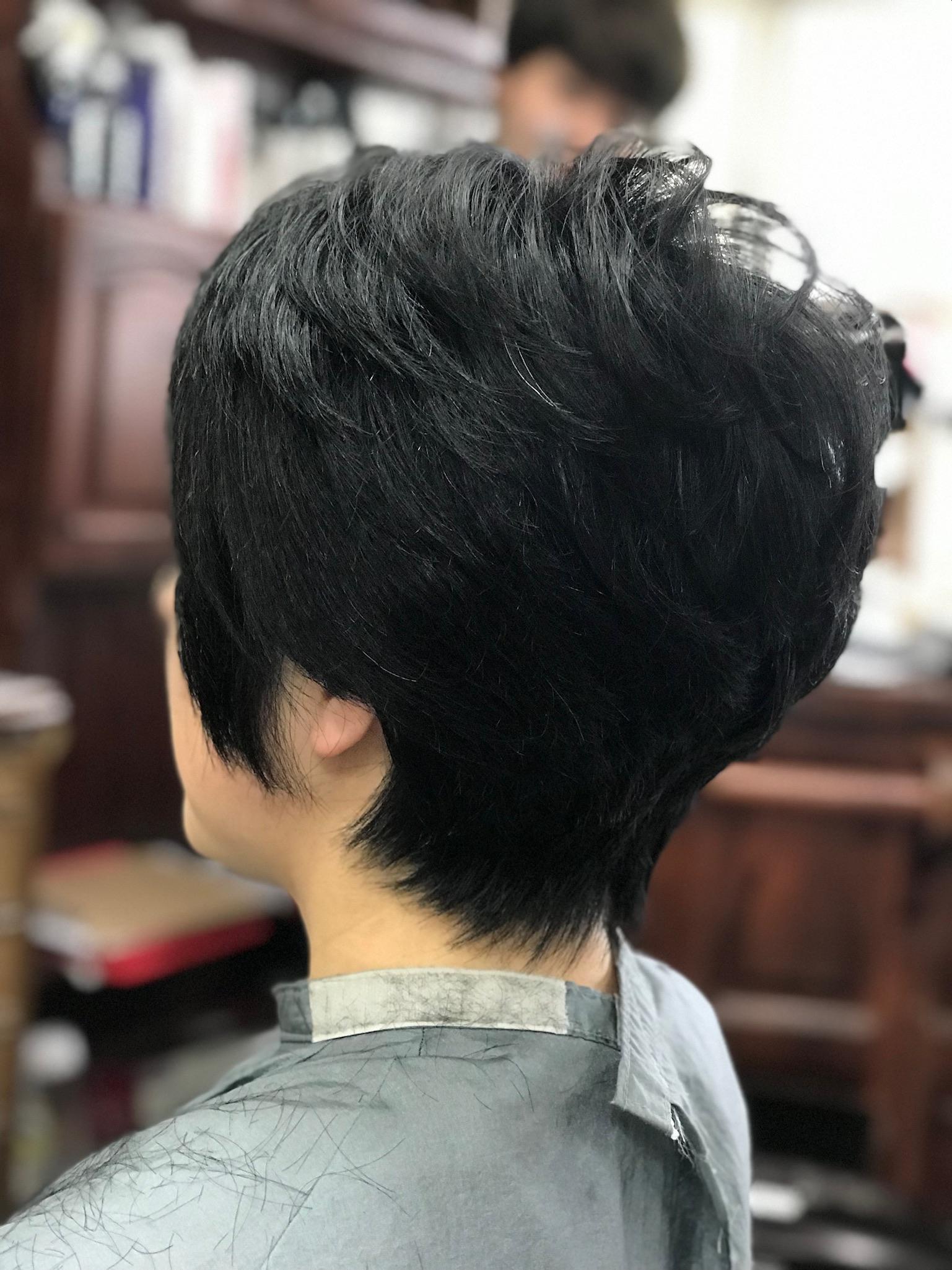 くせ毛は ショートのほうが落ち着きます
