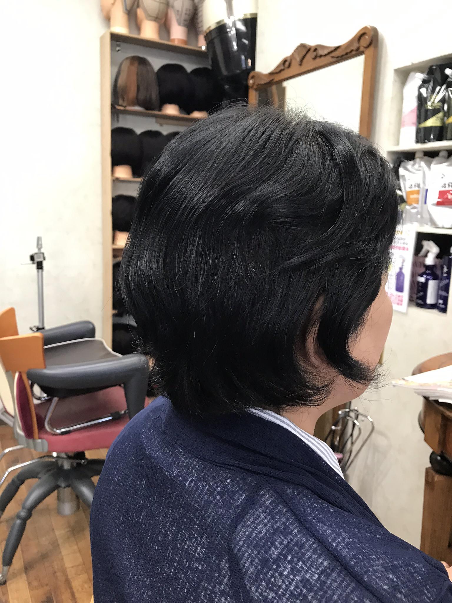 ブログを見て初来店 ヘナとキュビズムカットはくせ毛の味方です
