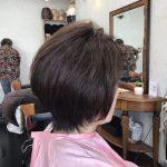 2年の変化 多毛くせ毛白髪を軽く見せるイチゴカラーとキュビズムカット