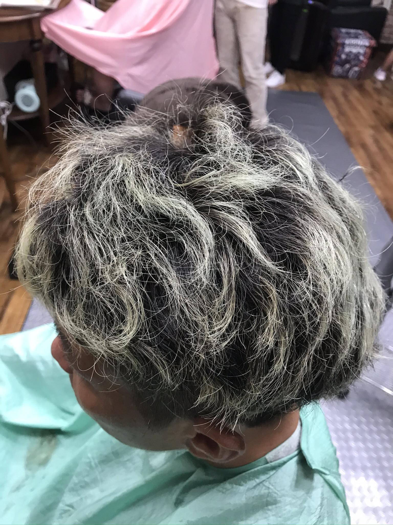 くせ毛とカラーを活かすカット