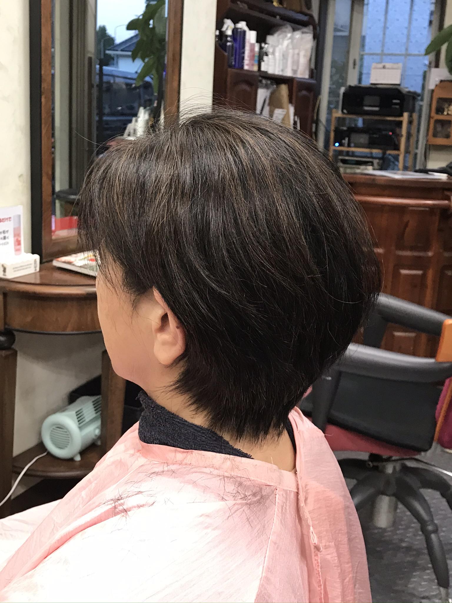 コロナ半年 くせ毛とアロマカラー