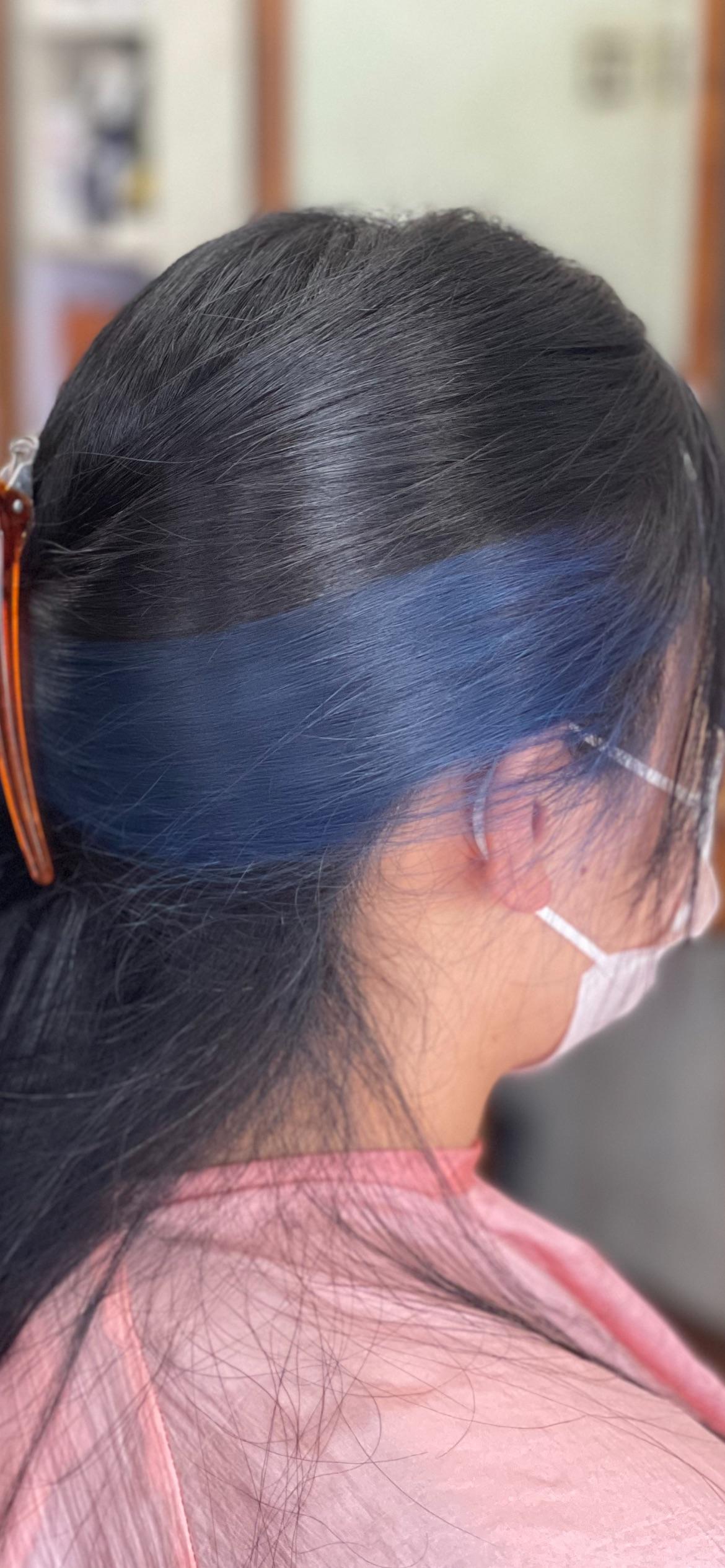 #鮮やかな #ブルー系インナーカラー & #ブルーブラック